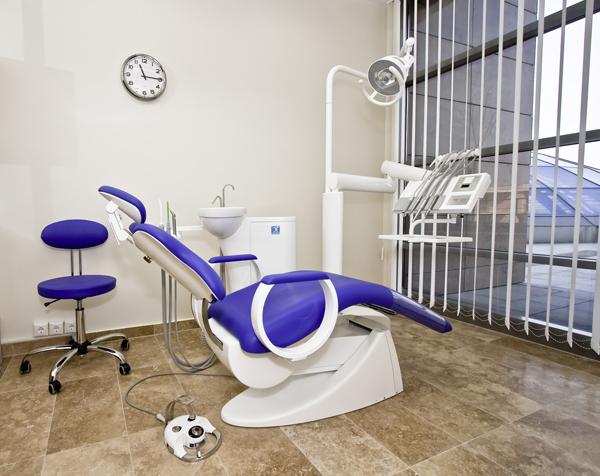 dentysta-stomatolog-dentem