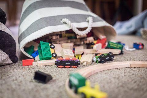 Zabawki edukacyjne, jakich potrzebuje Twoje dziecko