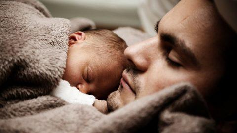 Problemy skórne u niemowląt – jak radzić sobie z wrażliwą skórą naszych pociech?