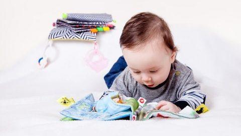 Pierwsza zabawka dla dziecka – wszystko co musisz wiedzieć!