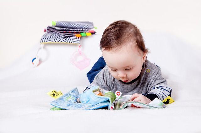 Pierwsza zabawka dla dziecka - wszystko co musisz wiedzieć!