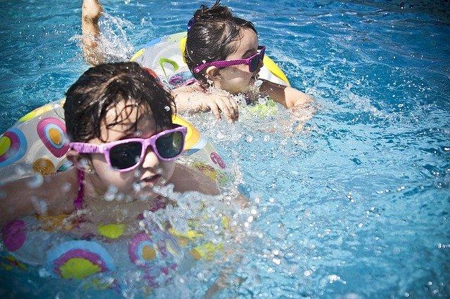 Sportowe zajęcia dla dzieci basen